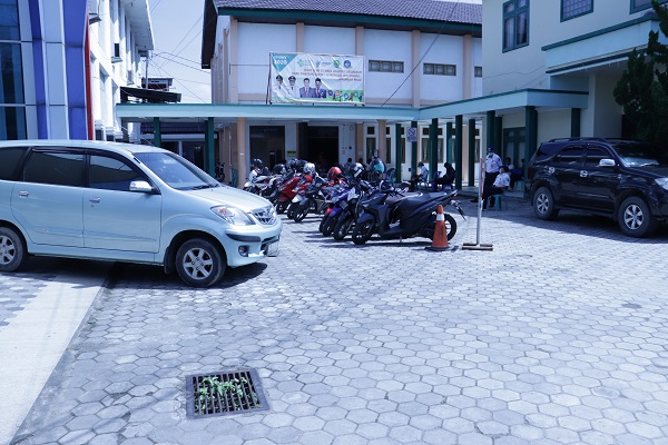 parkir 6
